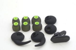 備有多款耳塞及耳翼,配合不同用戶的耳形。