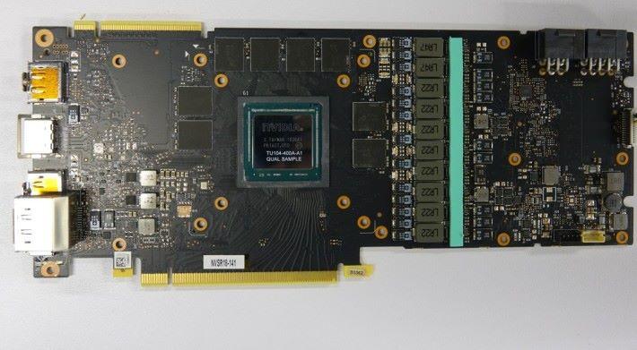 ZOTAC RTX 2080 AMP 的PCB。