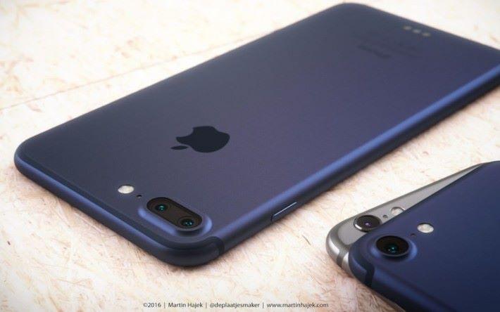新的藍色 iPhone 看來有點似當年在網上流傳的藍色 iPhone 7