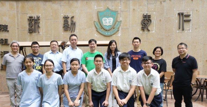 余中 STEM 教育團隊和學生,當中有學生們表示參與大型科技展後,對學習更有興趣。