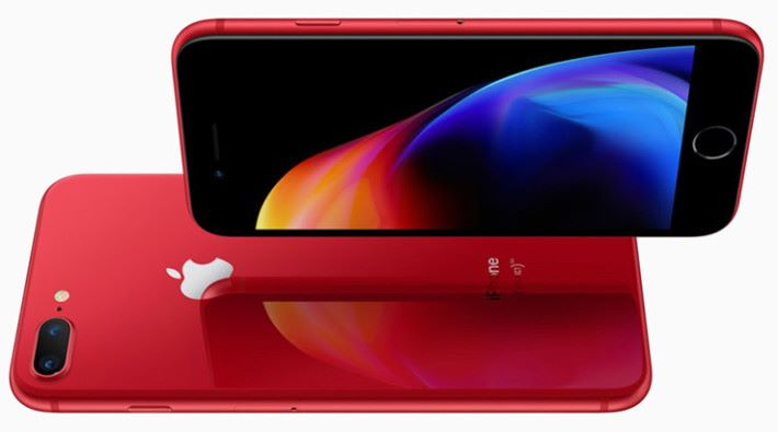 iPhone 8 Red 的紅色會較鮮豔。