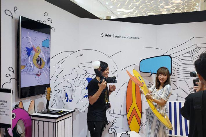S Pen畫廊可利用 Galaxy Note9 自拍,即可以 Mr Doodle 為 Galaxy Note9 設計的畫框和貼紙裝飾照片,充滿趣味。