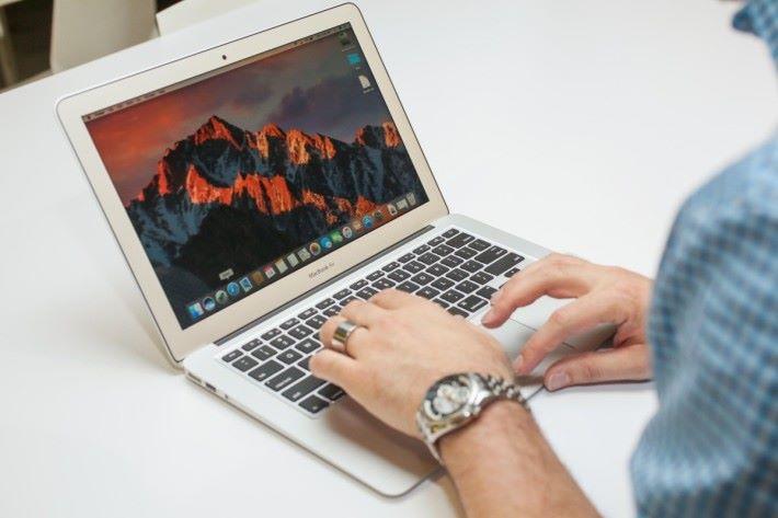 MacBook 和 MacBook Air 多年來沒有重大升級,推出新版本是可以預期的。
