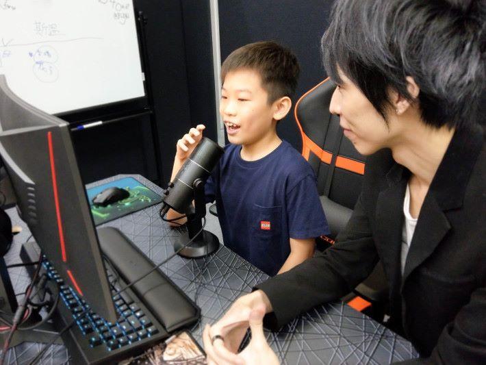 除了選手訓練外,更有香港鮮有的主播及電競賽事策劃課程。