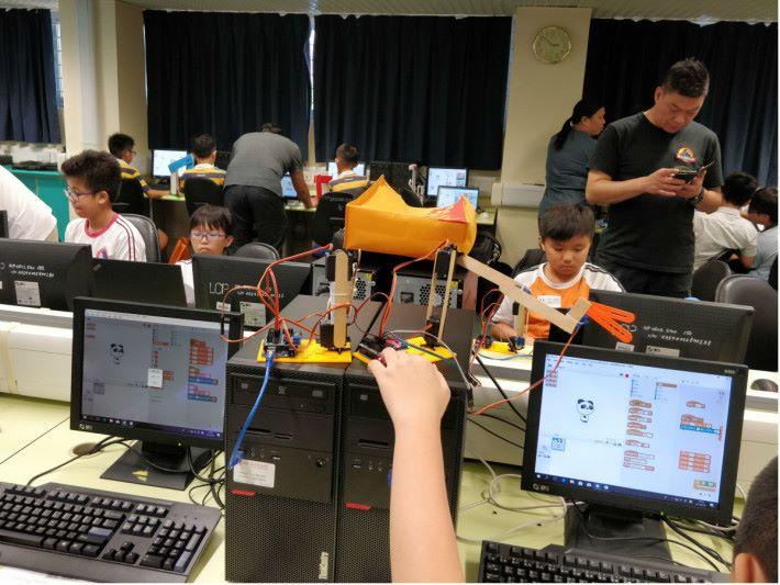 當放寬設計方式後,比賽裡學生創作出各式各樣的設計。