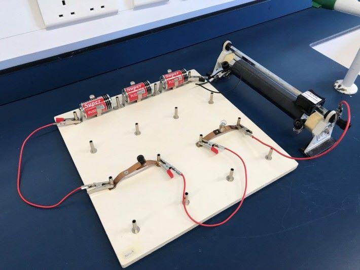 實驗一的電路裝置。