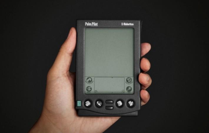 Palm 曾是個人助理的先驅, IT 人的身分象徵,卻在智能手機誕生之後沒落。