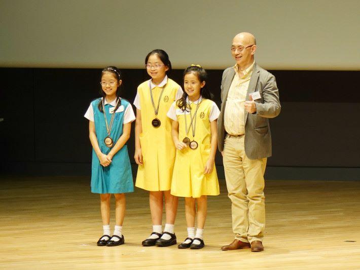 瑪利曼小學[ AppStar ]則憑作品《老友記~腦有記憶》勇奪 Scratch 組別冠軍。