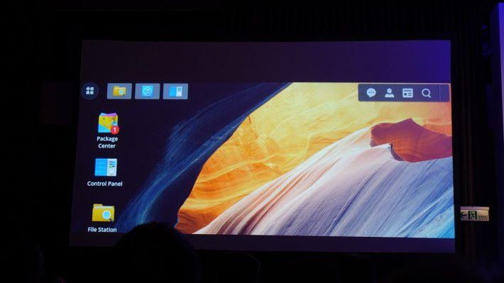 桌面 Icon 也有點不同。