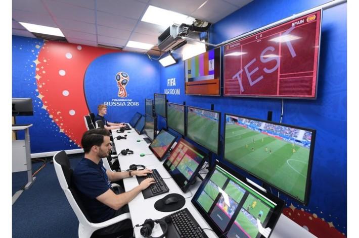 於本年世界盃就使用了 VAR 技術解決了不少爭議。