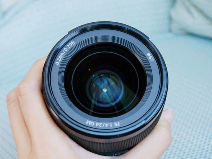 鏡頭使用 67mm 濾鏡。