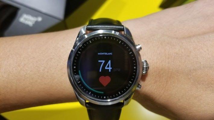透過 Summit 2 內的《Heart rate》便可得知用戶自己的心率資訊。