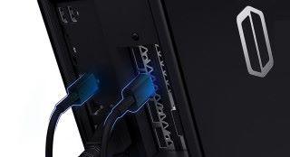 由於不用安裝燈塔,只需要插上 USB 3.0 線和 HDMI 線即可使用,安裝簡潔得多。
