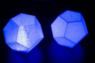同事 Nikita 說它很像 Destiny 藍晶。