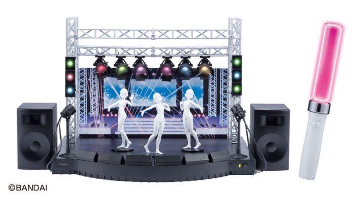 以迷你舞台和內藏晶片的 Figure 與儲存在手機裡的歌曲連動來開私人演唱會的「 Desktop Live Base 」