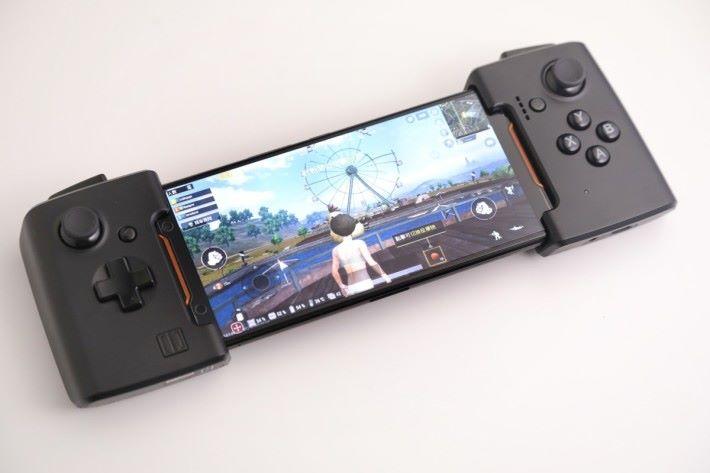 令手機變成真正的手提遊戲機。