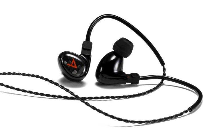 Michelle Limited 三動鐵耳機,原價 $3,280 ,減價後 $2,680 。