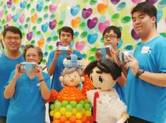 中學生拍 VR 讓長者遨遊香港