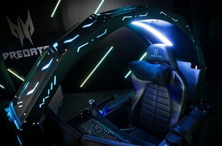 Acer Predator Thronos 電競座艙可以打造一個電競私人空間