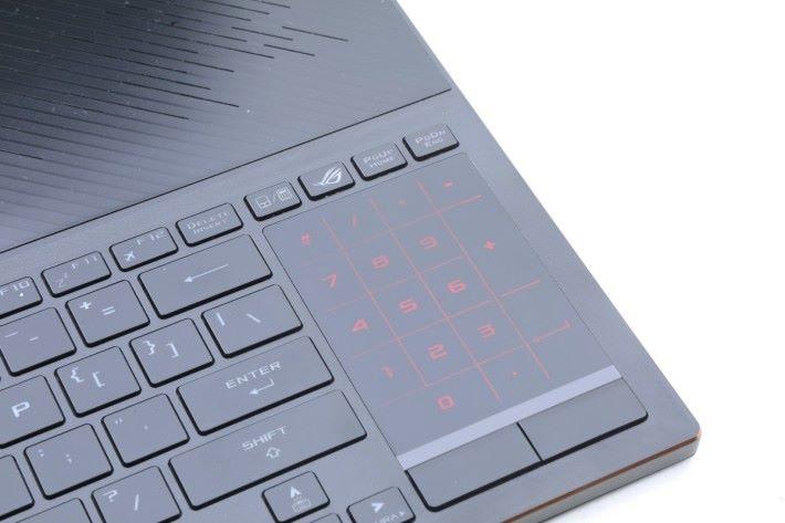 數字鍵盤模式會發出紅光表示數字。