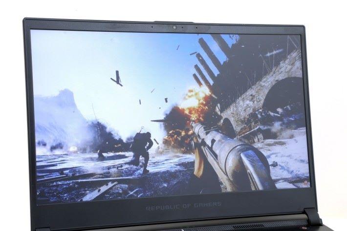 測試《戰地風雲 5》最高畫質遊玩時色彩效果豐富,表現相當出眾。