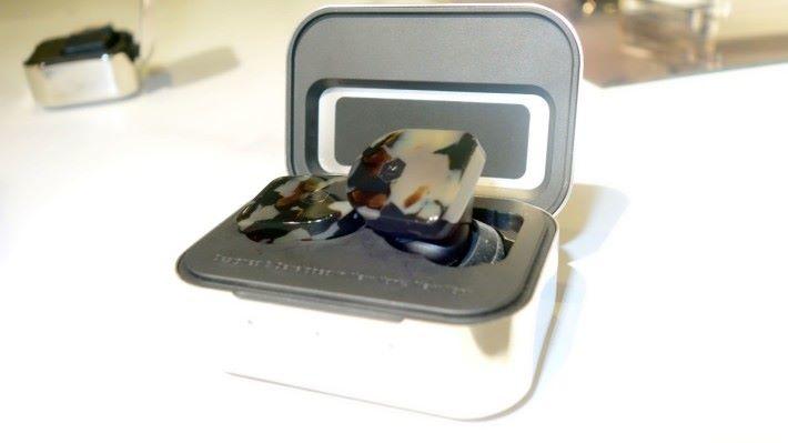 MW07 是美國 Master & Dynamic 首隻真藍牙無線耳機產品。