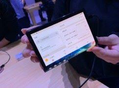 全球首部折屏手机 柔宇科技 FlexPai