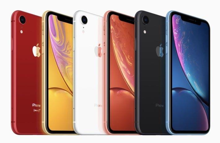 iPhone XR 是事隔 5 年後 Apple 再次推出的多顏色手機