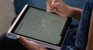 如果你寫了出界,或者不滿意,而手寫筆又有擦膠功能的話,大可用擦膠刷掉重寫;