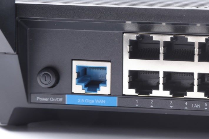 具备2.5G WAN 埠,领先其他同级型号。