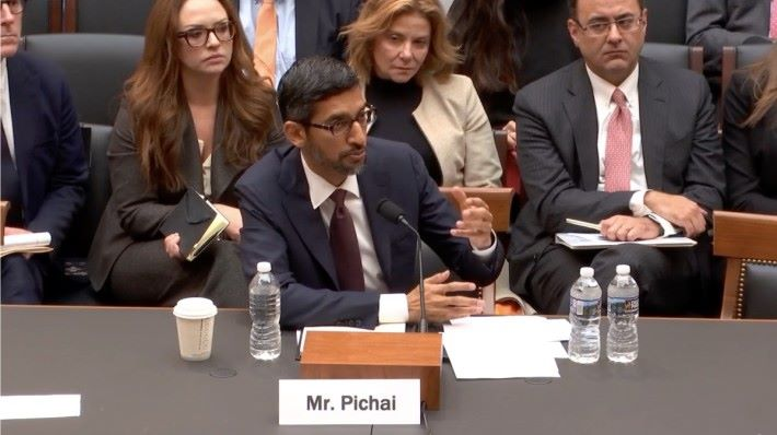 皮蔡在公聽會上表示重返中國計劃仍在公司內部檢討中,並沒有計劃在中國推出搜尋服務。