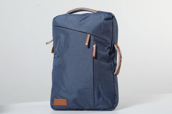 買 VivoBook S15 送價值 HK$698 的 ASUS 精美兩用背包。