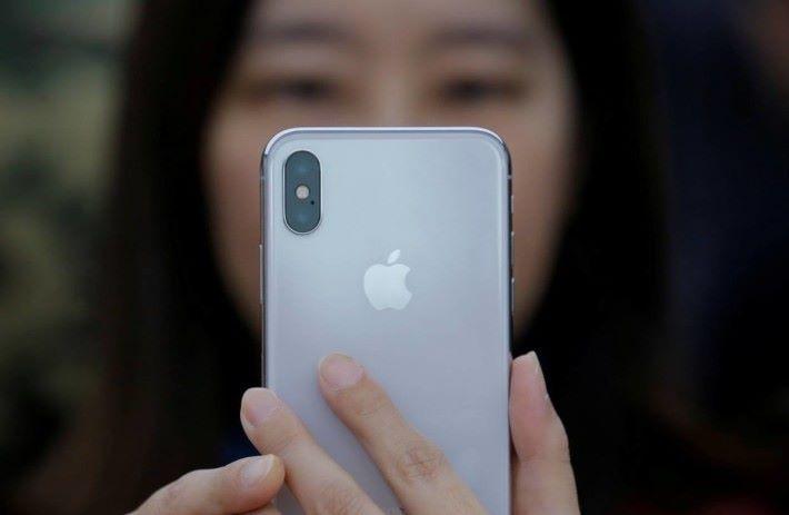iPhone 在中國銷售倒退,令 Apple 的業績受到相當影響。
