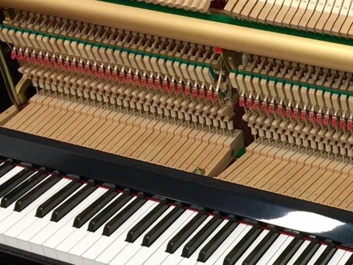 每個琴鍵都內藏各組件。