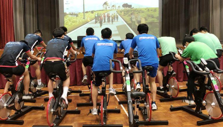 學界舉辦動感單車比賽及 VR 單車體驗
