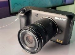 SHARP 民用 8K 攝影機解密