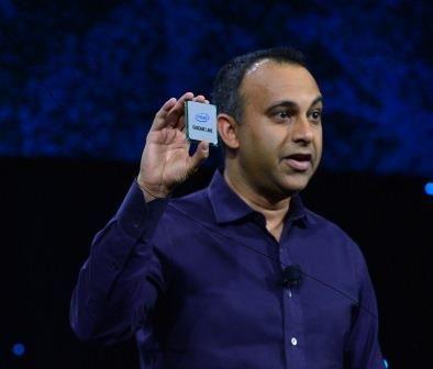 同場 Intel 表示 Cascade Lake Xeon 處理器(由 2 個 Die 組成,最高 48 核心)已經開始付運