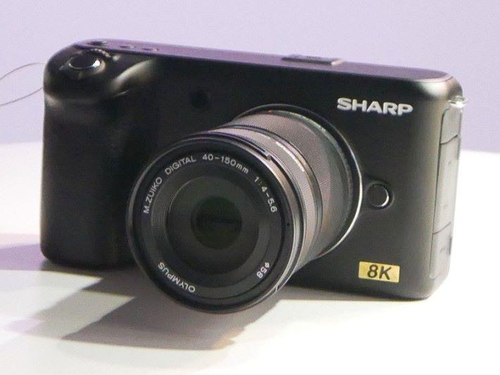 SHARP 展示了首部民用的 8K 攝影機