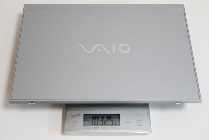 4K 版本的 SX14,重量也不過是 1032g