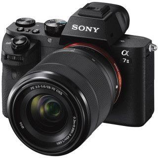細心一看, Canon EOS RP 規格與 2014 年發售的 Sony A7II 差不多。