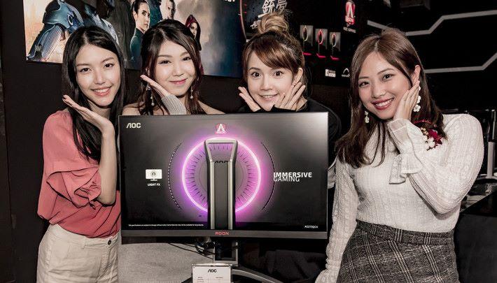 廠商特別請來多位遊戲界嘉賓到場打機 Switch…體驗屏幕。