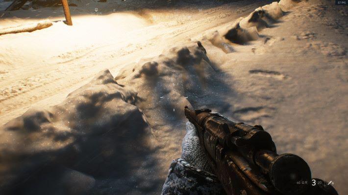 於「北極光」中可以看到當燈光打在雪地上時,雪上的光影細緻效果極為出色。