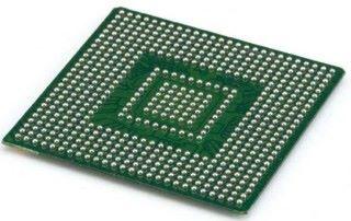 BGA 封裝卻不同,CPU 底部有半球體觸點,常見於筆電及手機 CPU。