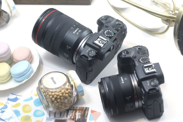發布會分別簡接提供 RF 24-105 f/4L IS USM 及 RF 35mm f/1.8 兩款於預售時選購。