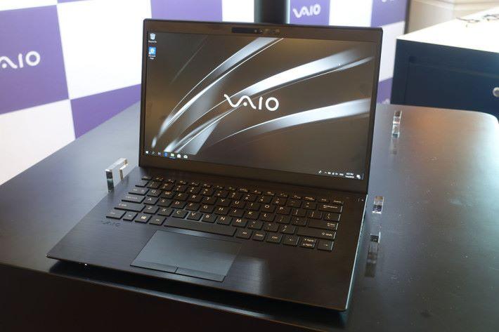 亞洲首發之 VAIO SE14 筆電,設計較日本系列更加進取。
