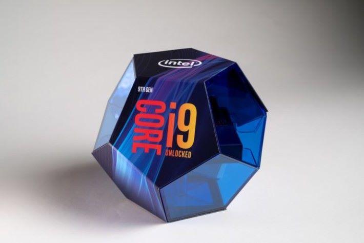 極華麗包裝的 i9-9900K。