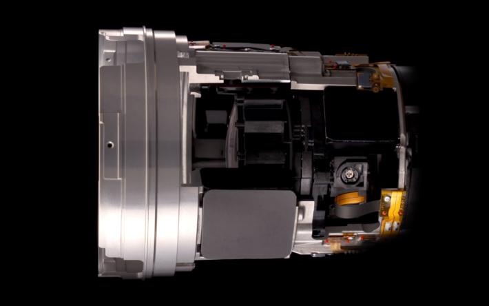 Sony 首支內置前後雙 XD 線性馬達的鏡頭。