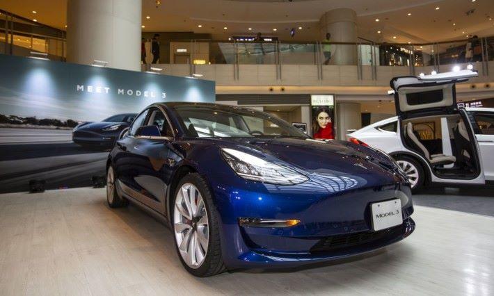 Tesla Model 3 正式登陸香港