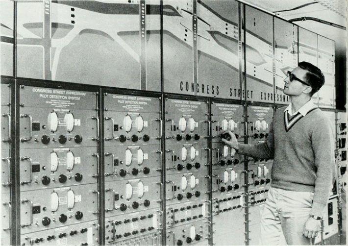 日本建構早期電腦系統的工程師,都集中在 2007 年退休⋯⋯