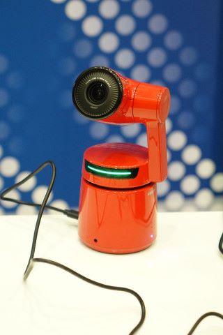 能自動跟蹤人像拍攝的 AI 自動導演攝錄機 OBSBOT Tail。